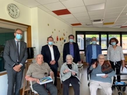 Remise de tablettes Résidence EHPAD Jean VILLARD de POLLIONNAY 12/05/2021